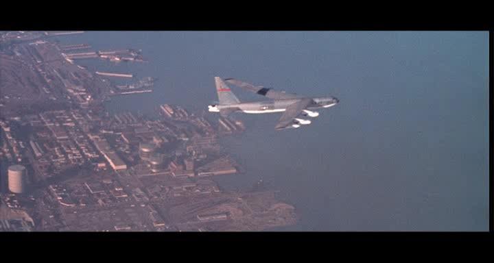 bombers b52.avi_snapshot_01.17.43_[2014.11.02_23.29.58]