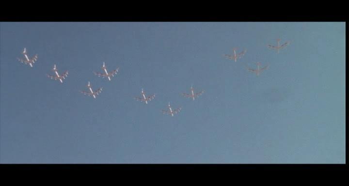 bombers b52.avi_snapshot_01.41.07_[2014.11.02_23.40.11]