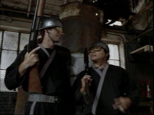 Центурионы.(Centurion.Force).1998.DVDrip.Rus.avi_snapshot_01.15.14_[2014.12.07_20.09.17]