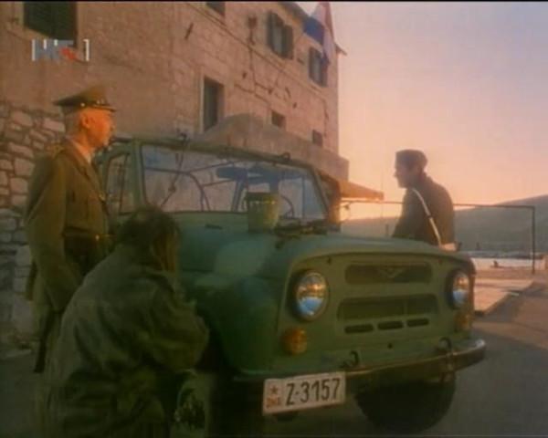 How the War Started on My Island (1996).avi_snapshot_00.57.50_[2015.09.20_22.35.09]