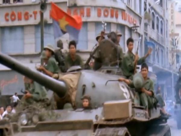 Last.Days.in.Vietnam.2014.EXTENDED.480p.x264-mSD.mkv_snapshot_01.44.09_[2015.12.15_22.19.25]