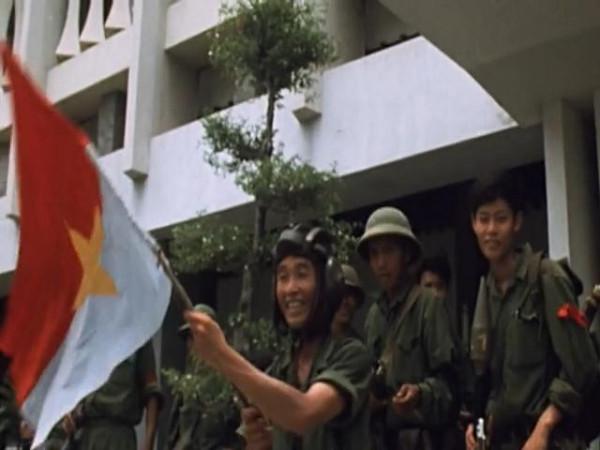 Last.Days.in.Vietnam.2014.EXTENDED.480p.x264-mSD.mkv_snapshot_01.44.40_[2015.12.15_22.21.17]
