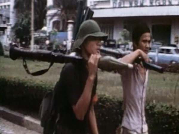 Last.Days.in.Vietnam.2014.EXTENDED.480p.x264-mSD.mkv_snapshot_01.45.08_[2015.12.15_22.21.38]