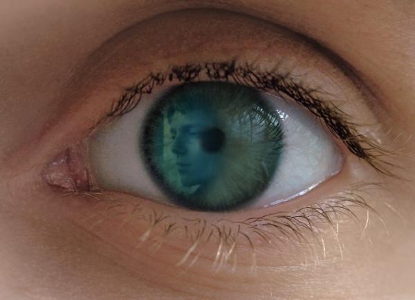 The eye )PhotoFunia_2b4e0