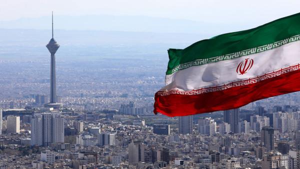В Иране вышла из строя система продажи бензина по квотам