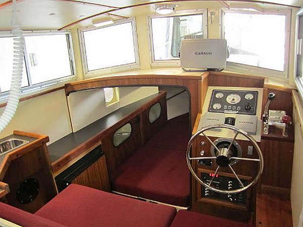 Bartender - 29' (интерьер кабины)