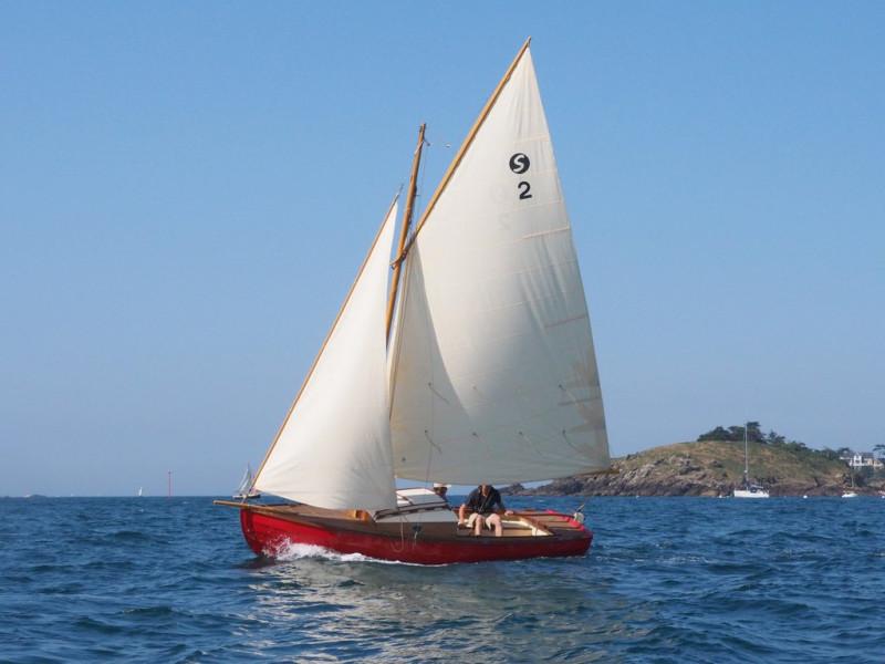 """Stir-Ven. Конструктор Франсуа Вивье. По его словам он проектирует свои лодки :""""для бабушек и их внуков""""."""