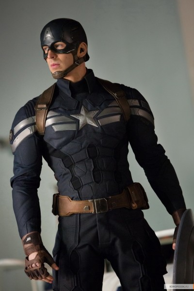 kinopoisk.ru-Captain-America_3A-The-Winter-Soldier-2369269