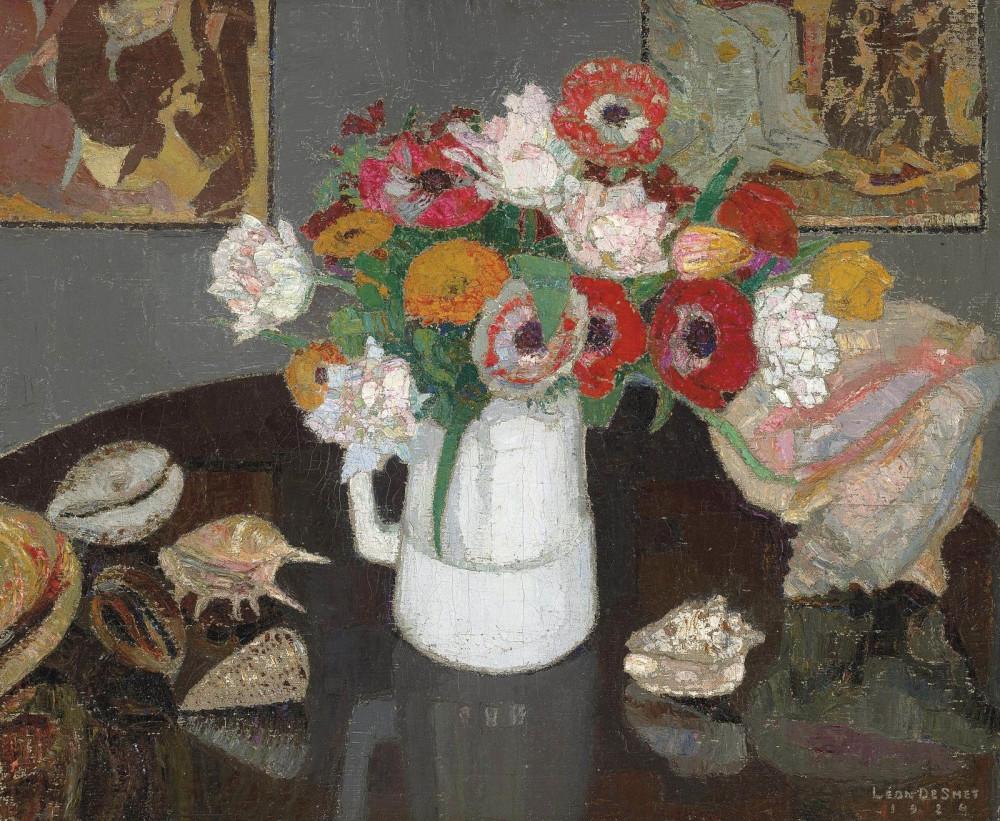 Leon De Smet (1881-1966),  Bouquet d'anémones dans un pichet et coquillages