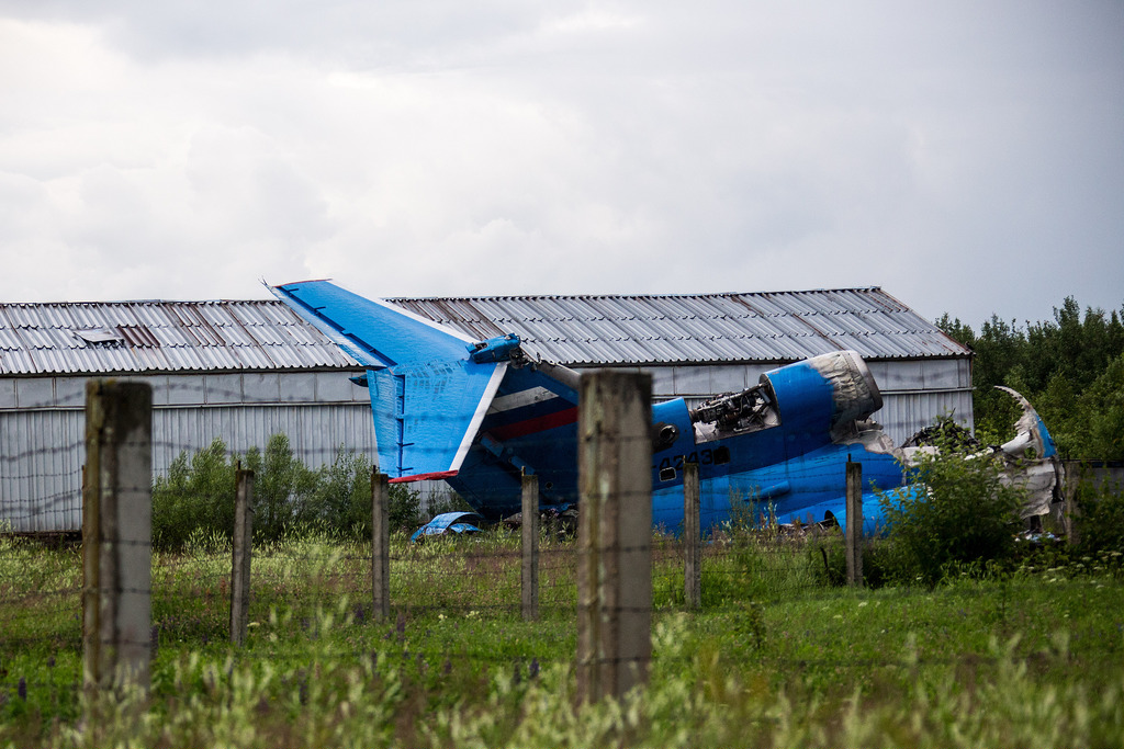 Locomotive, Tunoshna, Yaroslavl, air, airplanes, airport, crash, hocckey, hockey, wreckage, yak-42, Туношна, Ярославль, авиакатастрофа, аэропорт, локомотив, обломки, самолеты, хоккей, як-42