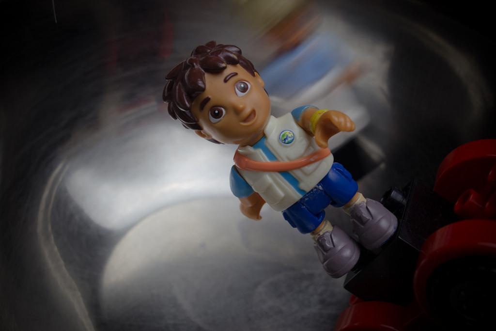 lego boy skateboard / мальчик лего катается на скейтборде