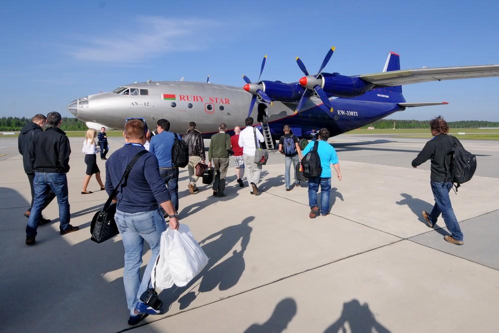Посадка на самолет Ан-12 авиакомпании Руби Стар