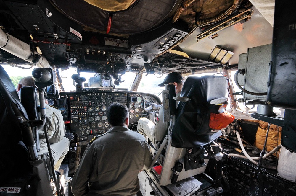 Кабина пилотов самолета Ан-12