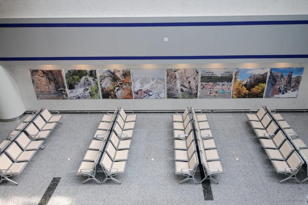 Зал ожидания в аэропорту Вонсан в Северной Корее