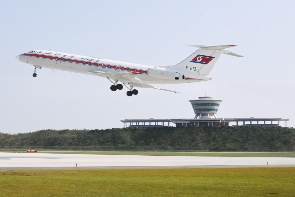 Взлет Ту-134 из международного аэропорта Вонсан в Северной Корее