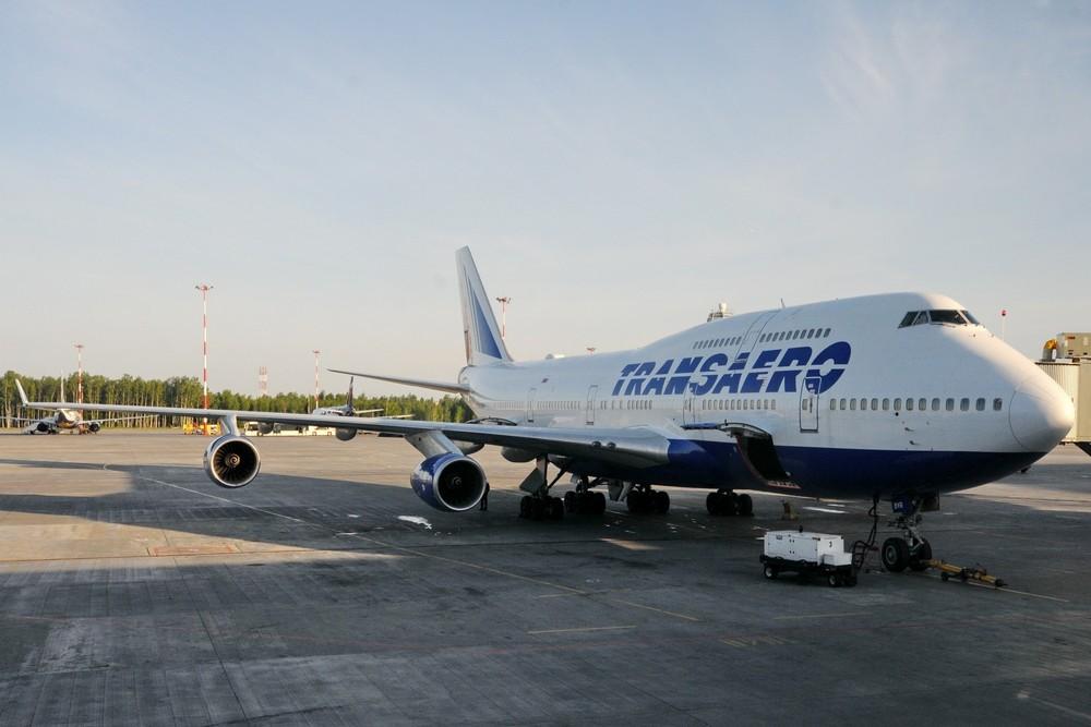Самолет Боинг-747 авиакомпании Трансаэро в аэропорту Пулково
