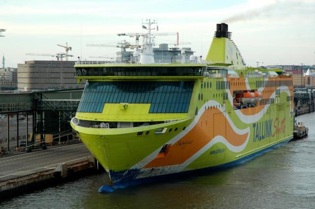 Паром Таллин-Хельсинки Tallink Superstar у Länsiterminaali города Хельсинки