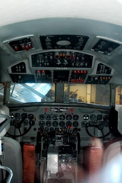 Кабина Convair-440 в музее авиации Финляндии