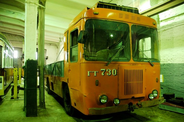 Грузовой троллейбус ГТ-730 в музее электротранспорта в Питере