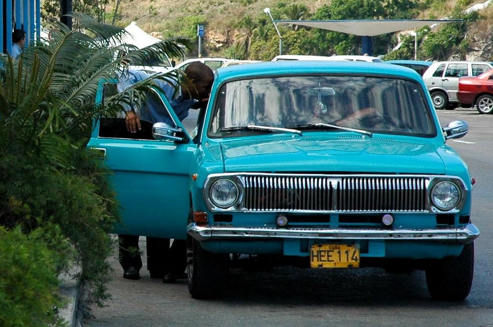 Какие автомобили у участников камеди клаб фото цветов вазе