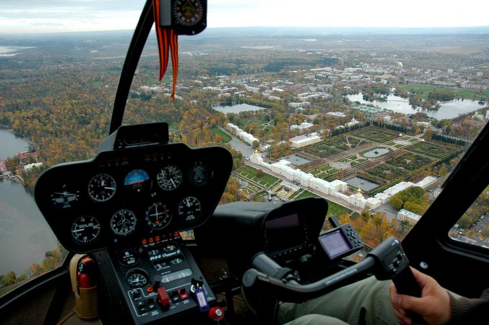 На вертолете над Петергофом