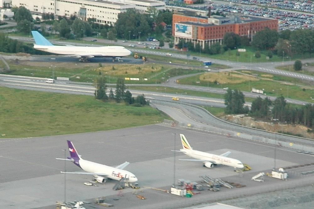 Грузовой терминал аэропорта Арланда (Arlanda) и Jumbo Hostel