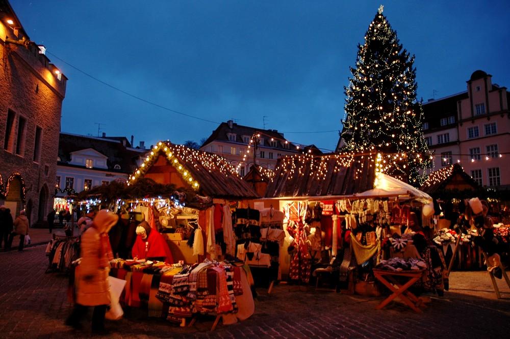 Рождественский базар на Ратушной площади в Таллине