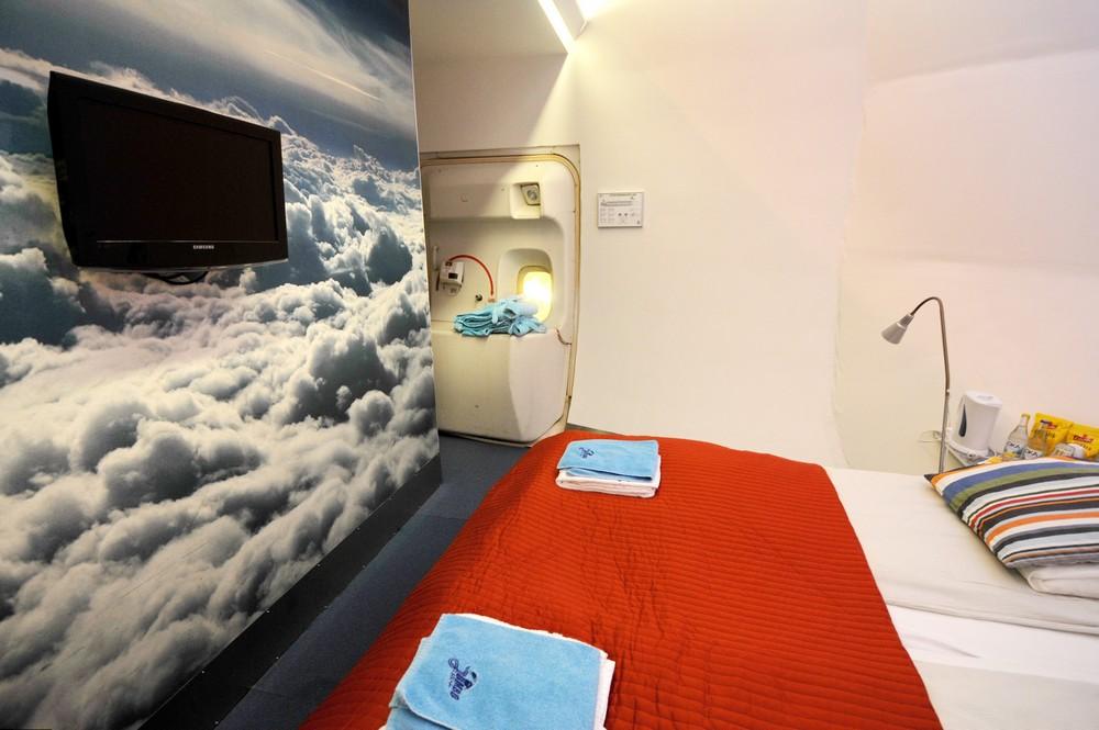 Сьют Black Box в хостеле-самолете Jumbo Stay