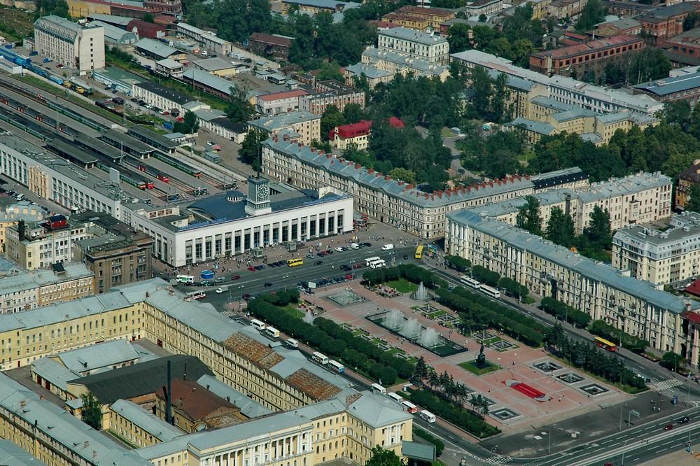 Финляндский вокзал в Петербурге. Вид с вертолета