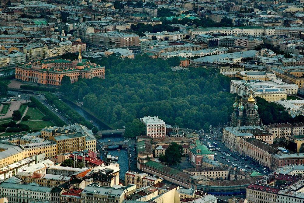 Михайловский замок и Спас-на-Крови с вертолета