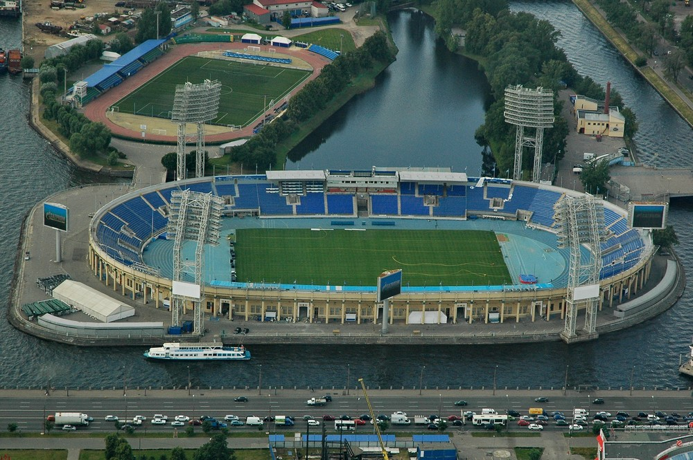 Вид с вертолета на стадион Петровский в Санкт-Петербурге