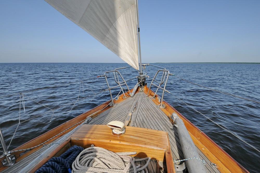 Яхта Русь