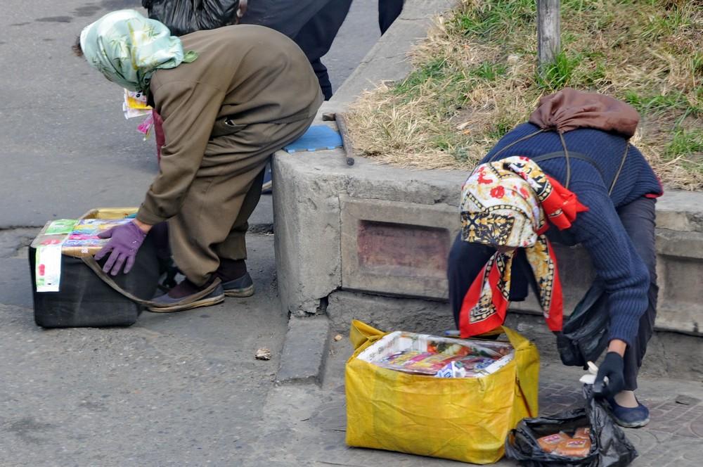 Пожилые торговки в Пхеньяне