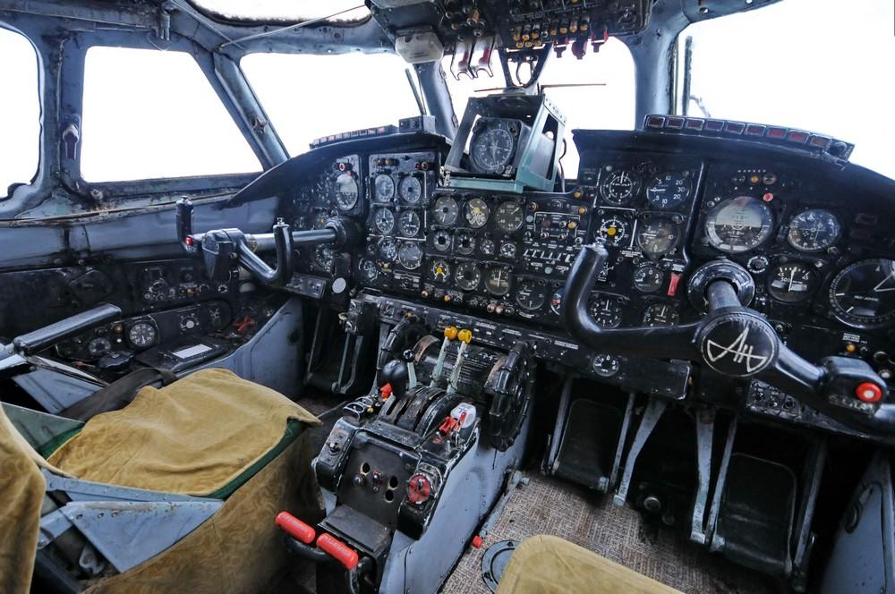 Кабина пилотов в самолете-ресторане в Перми