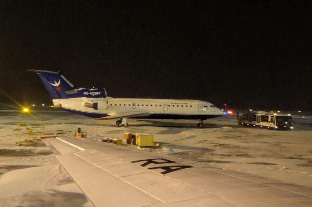 Самолет Як-42 в аэропорту Ижевска