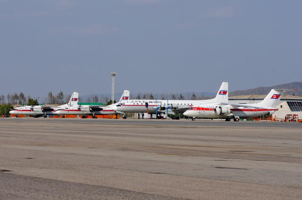 Самолеты авиакомпании Air Koryo в Пхеньянском аэропорту