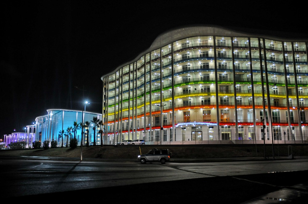 Отель Tulip Inn и здание пресс-центра. Сочи-2014