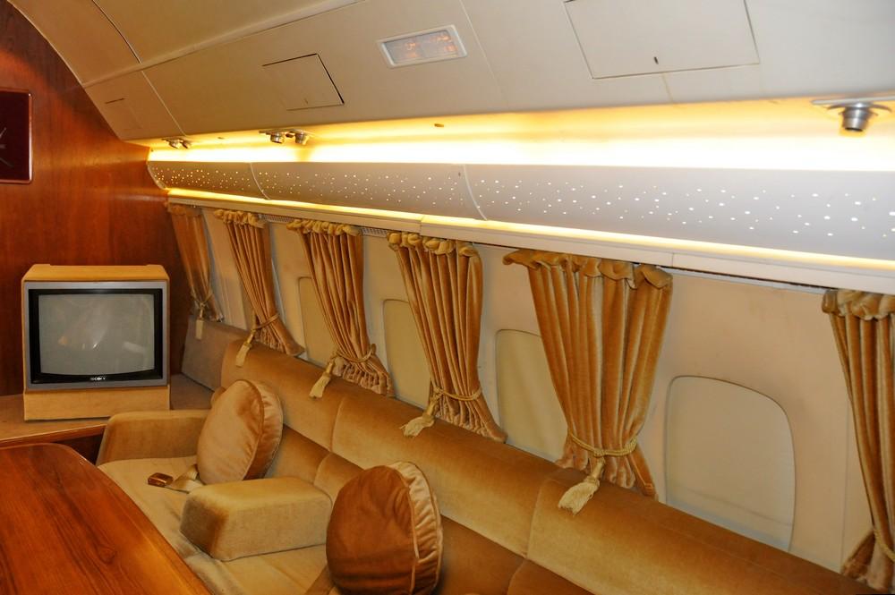 Салон самолета Султана Омана