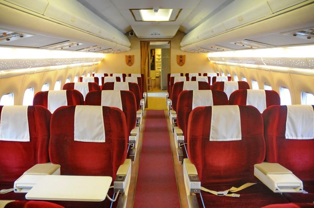 Салон для сопровождающих в самолете султана Омана VC-10 в Музее техники в Бруклендсе