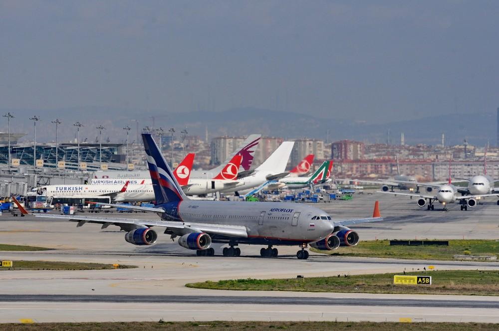 Ил-96 Аэрофлота в аэропорту Стамбул