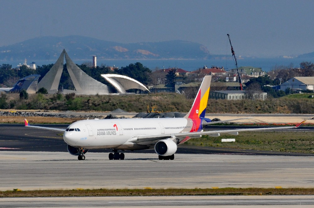 Эрбас-330 авиакомпании Азиана в аэропорту Стамбула