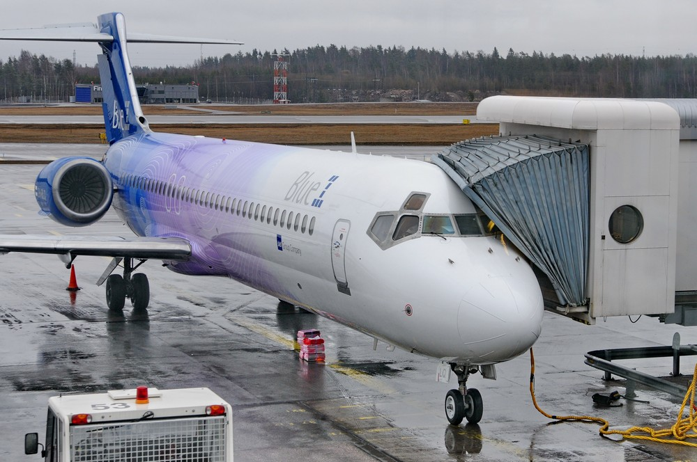 Самолет Boeing-717 авиакомпании Blue1 в аэропорту Хельсинки-Вантаа