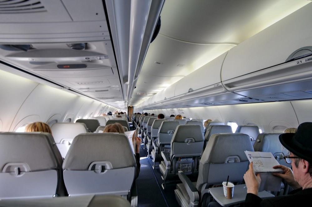 Салон самолета Боинг-717 авиакомпании Blue1
