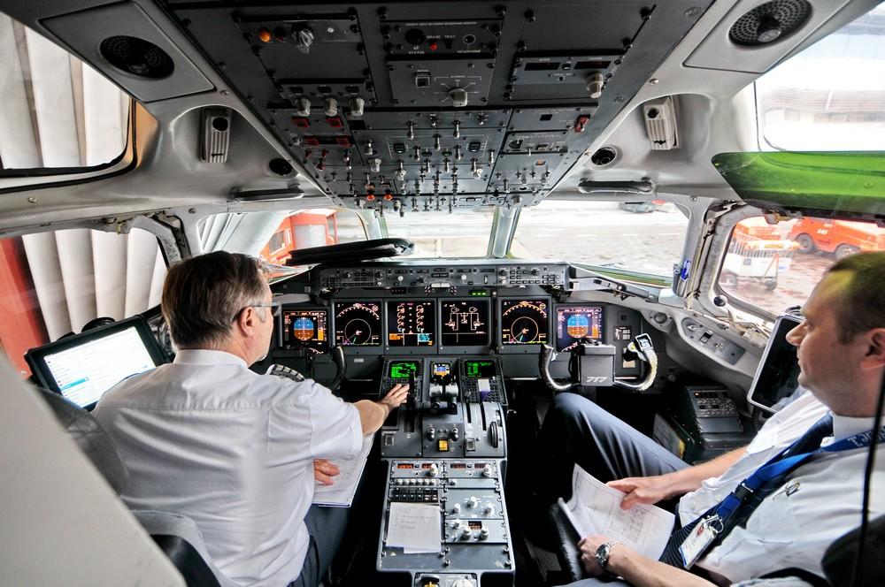 Кабина пилотов самолета Боинг-717