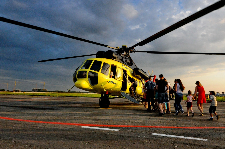 Вертолет Ми-8 авиакомпании ЮТэйр