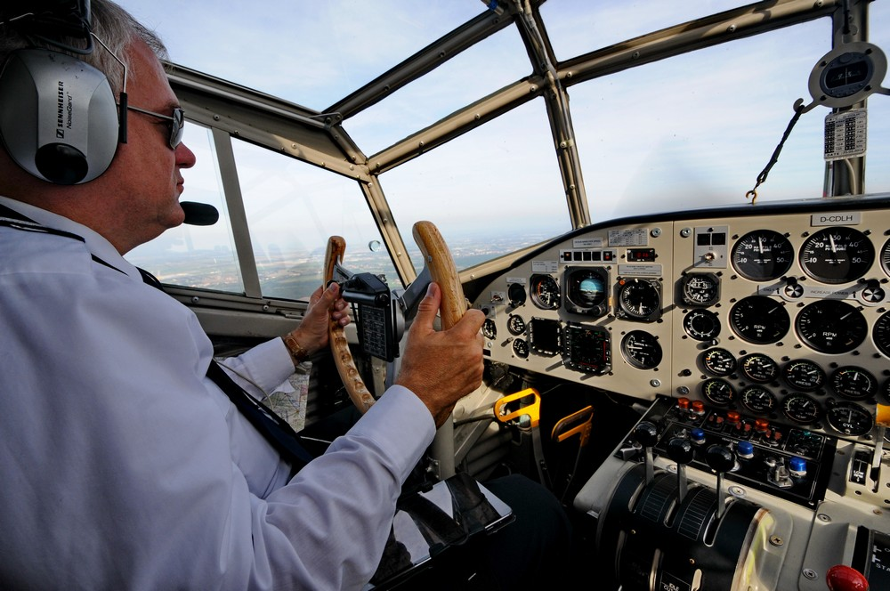 Пилотская кабина самолета Юнкерс-52