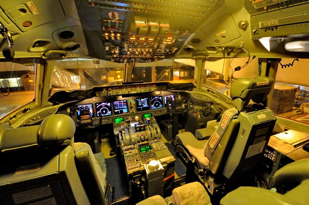 Кабина пилотов MD-11
