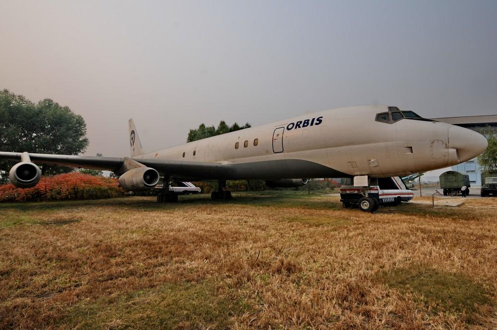 Дуглас DC-8 в музее авиации в Пекине