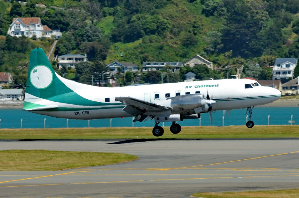 Convair-580 авиакомпании Air Chathams. Посадка в аэропорту Веллингтона