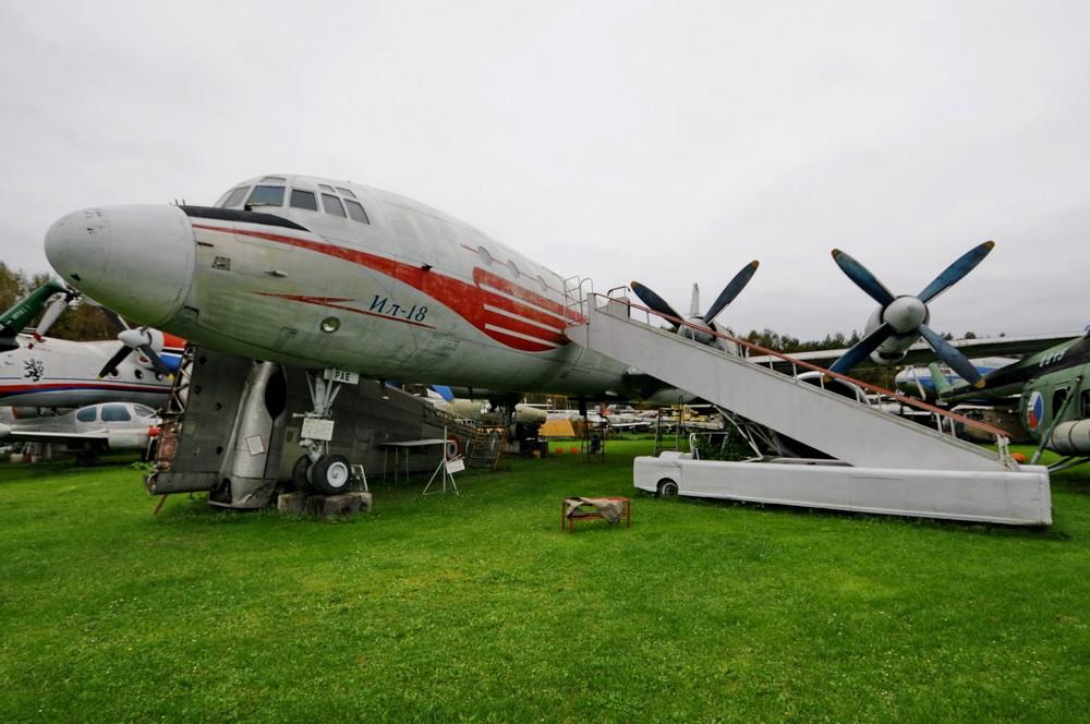 Самолет Ил-18 в раскраске Чешских авиалиний. Экспонат музея авиации в Чехии